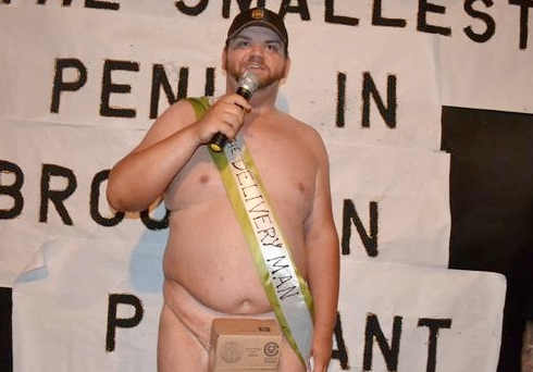 48 centi hosszú a világ legnagyobb pénisze (18+)