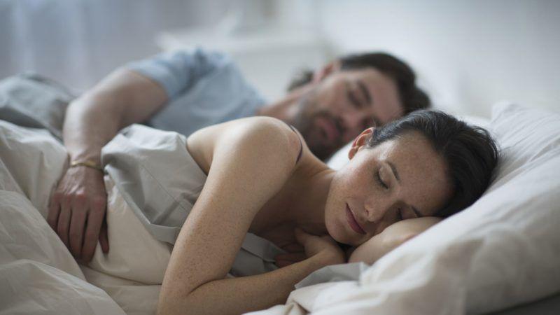 férfiak alvása alvászavar