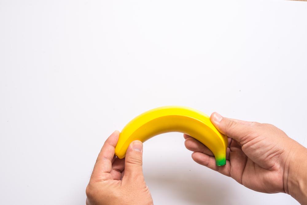 pénisz erekcióval lefelé vagy felfelé
